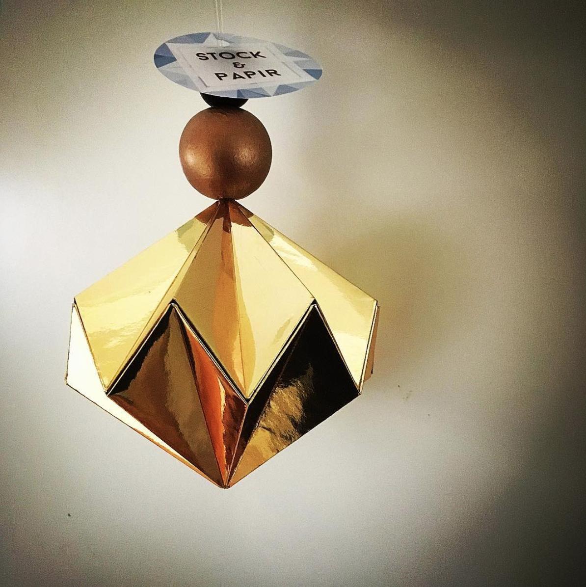 Stock & Papir - Origami logo Ilumi grafisk design fornøyde kunder beste designer tønsberg nøtterøy færder vestfold